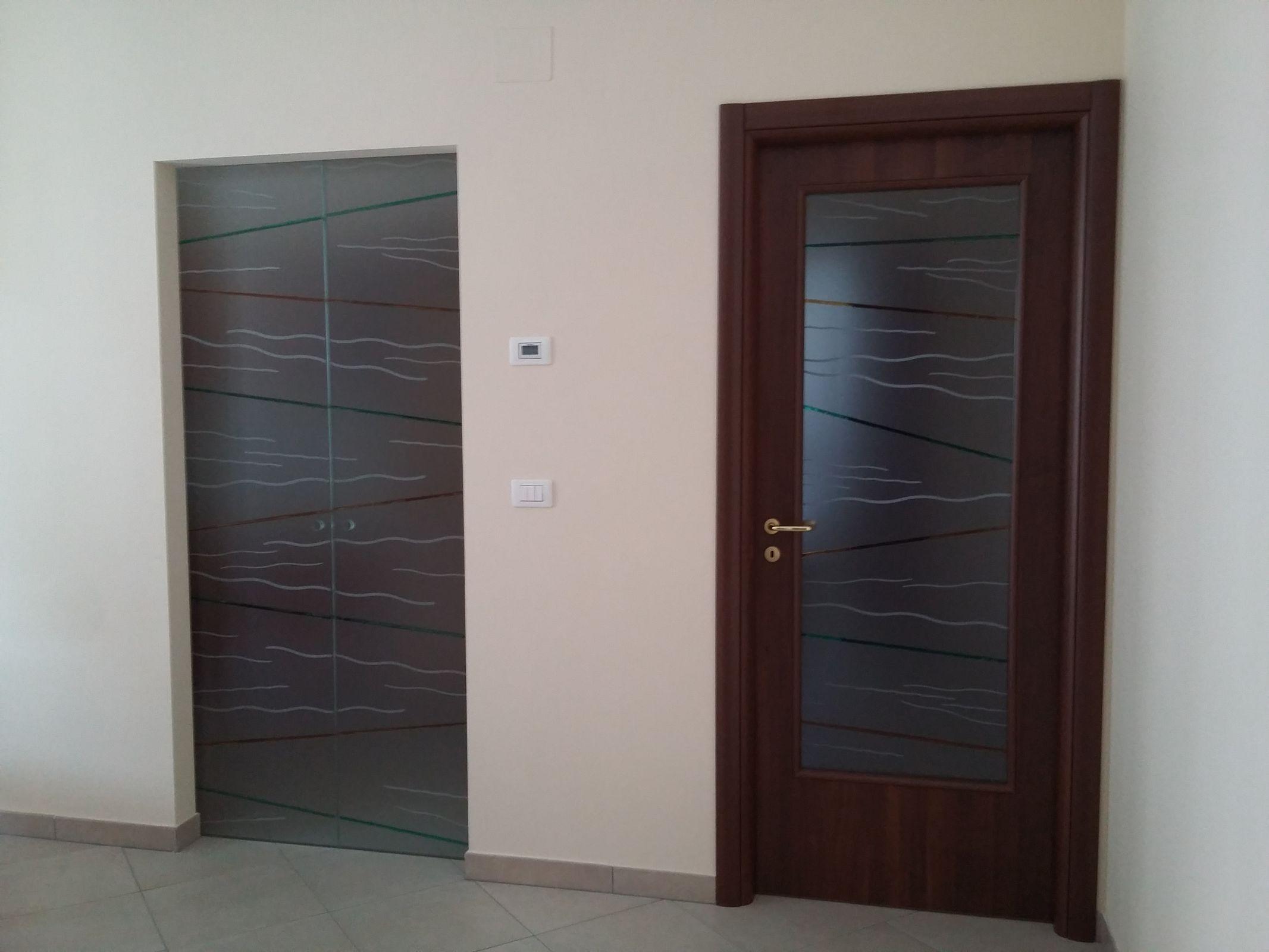 Porte Con Vetro Satinato porte interne con vetro satinato e disegno sabbiato e