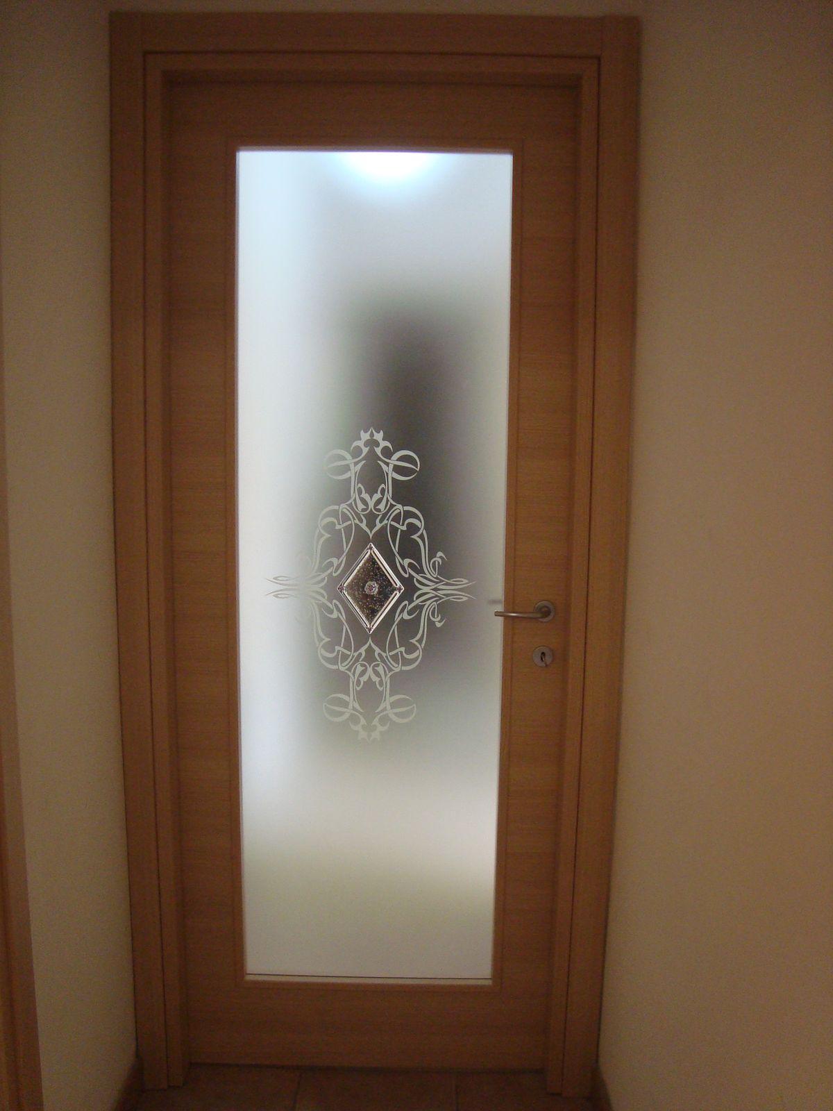 Porte Con Vetro Satinato porta con vetro satinato, disegno centrale con murrina