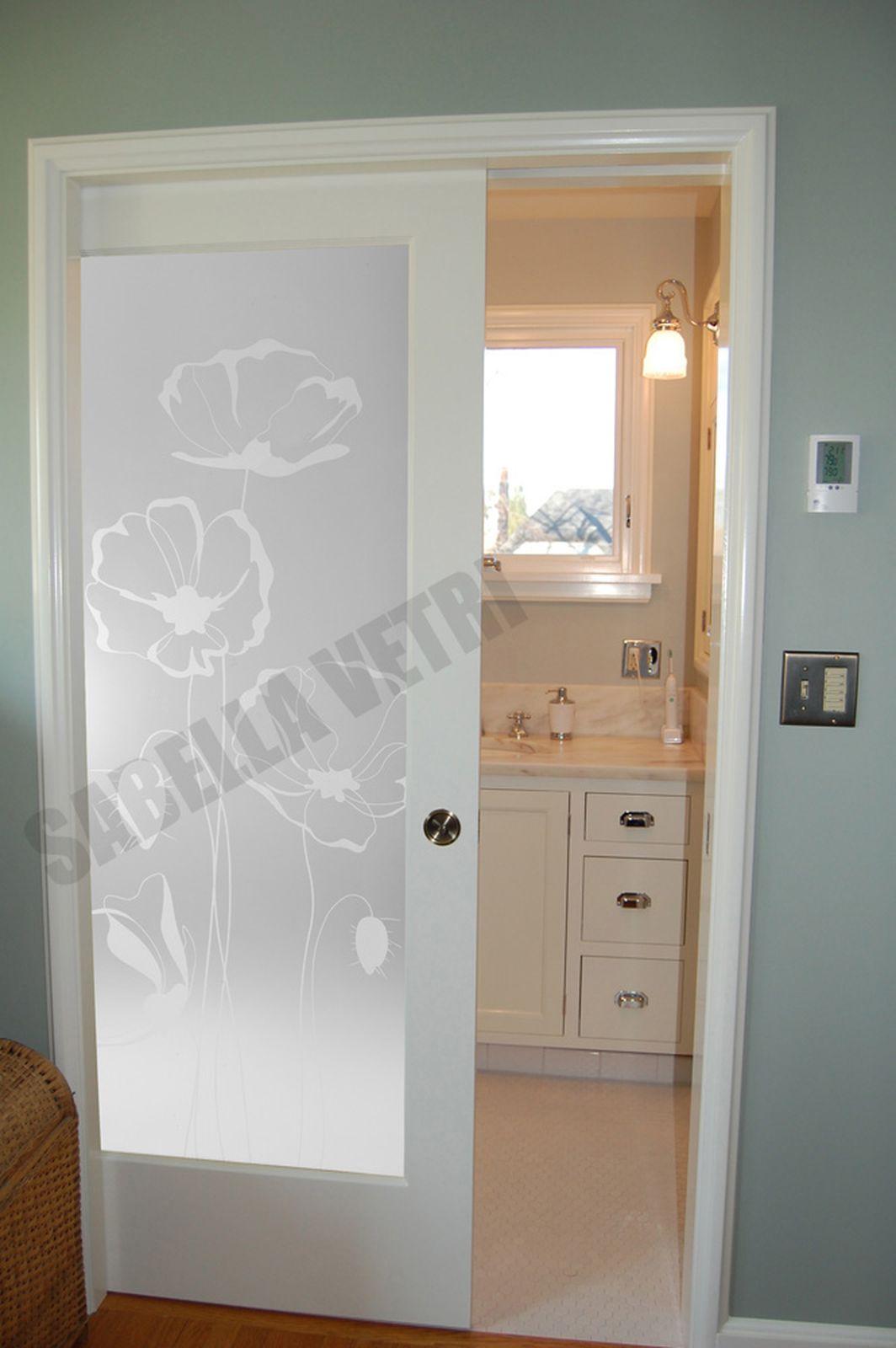 Porte Con Vetro Satinato porta interna con vetro satinato e papaveri giganti sabbiati